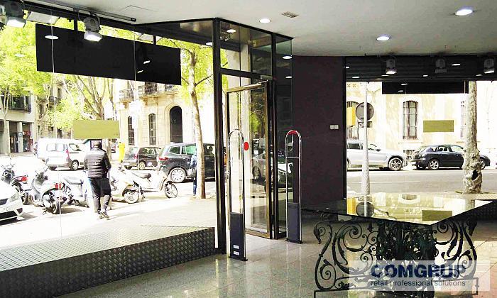 Barcelona caspe comgrup locales oficinas y naves for Oficina bicing barcelona