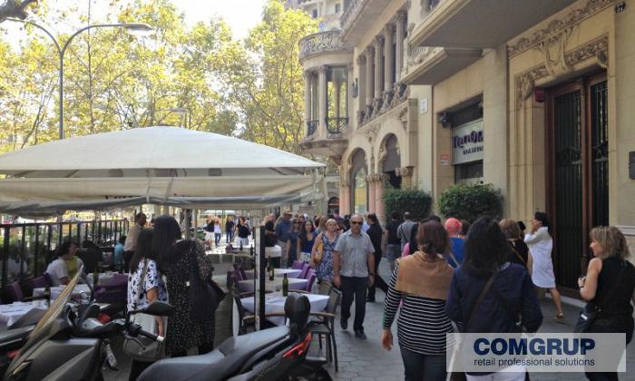 Barcelona paseo de gracia comgrup locales oficinas y for Oficina bicing barcelona